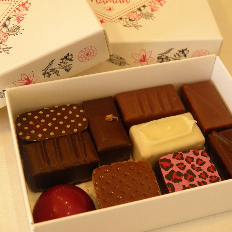 """Boite """"Bonne fête maman"""" de chocolats assortis"""