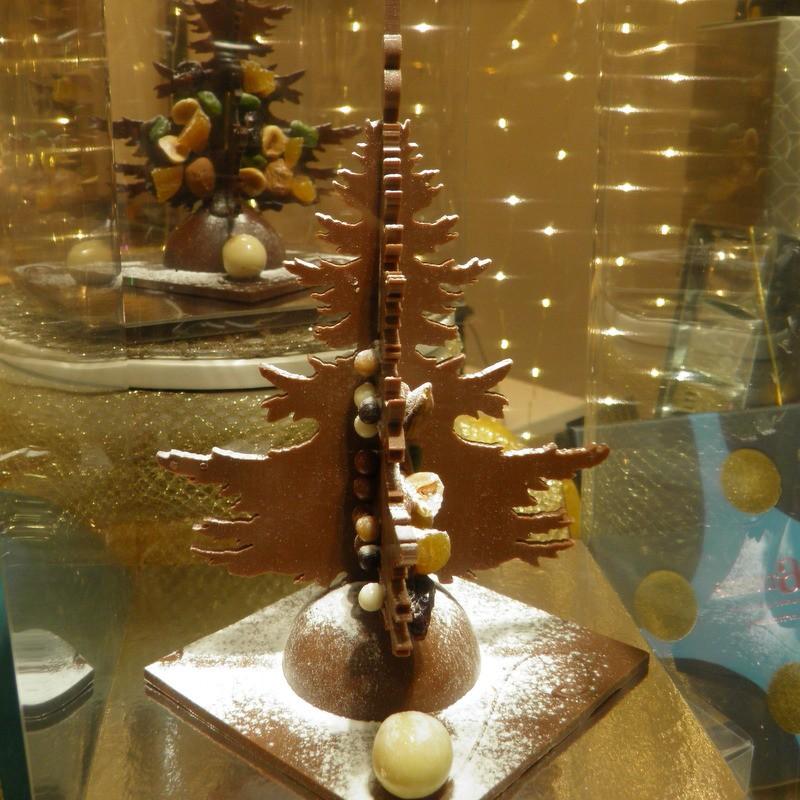 Haute couture  Sapin en chocolat au lait